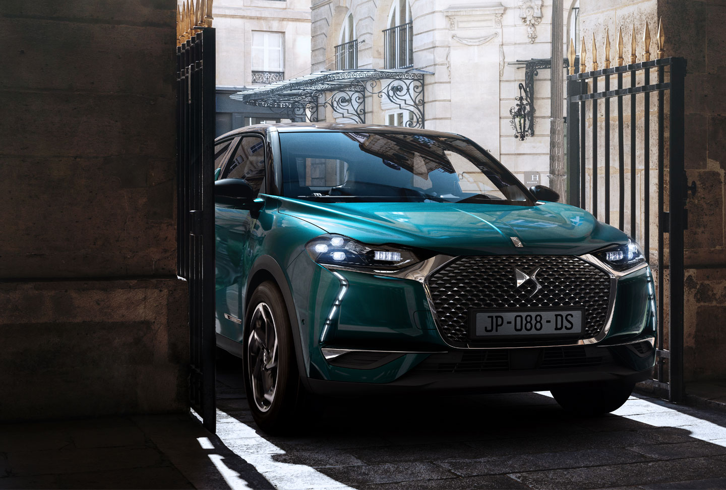 DS 3 CROSSBACK £215 per Month